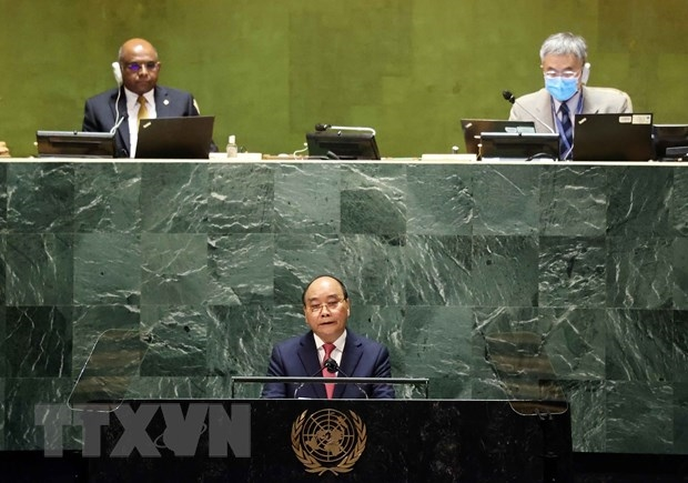 Chủ tịch nước Nguyễn Xuân Phúc phát biểu tại Phiên thảo luận Cấp cao Đại hội đồng Đại hội đồng Liên hợp quốc lần thứ 76. (Ảnh: Thống Nhất/TTXVN)