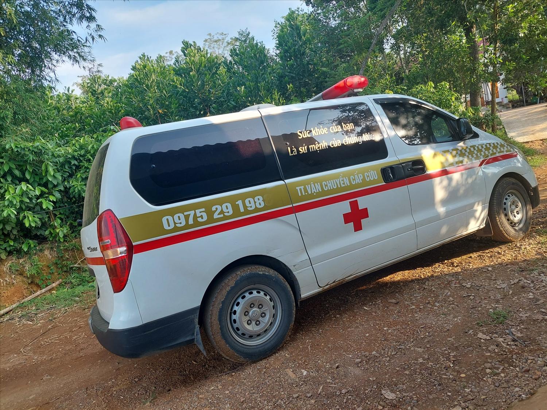 Trong khi cả nước đang chung tay giúp đỡ những người không may nhiễm Covid-19, thì người lái chiếc xe cứu thương này lại ép giá vận chuyển bệnh nhân. (Ảnh nhân vật cung cấp)