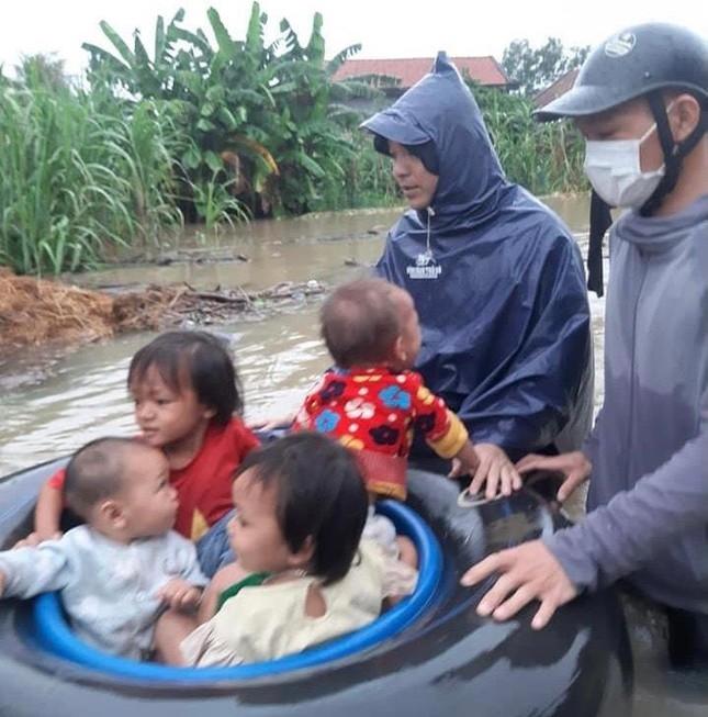 Một người mất tích, gần 700 ngôi nhà bị ngập, dân di dời khẩn cấp do mưa lớn ở Nghệ An 2