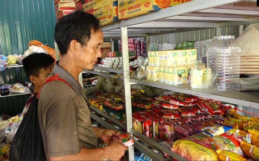 Đồng bào vùng cao ngày càng tin dùng hàng Việt