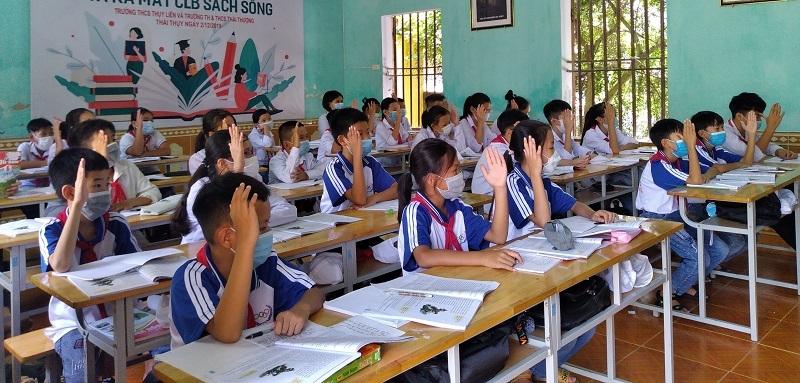 Buổi học đầu tiên của HS Trường THCS Thụy Liên (Thái Thụy, Thái Bình).