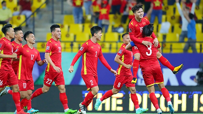 Quang Hải và đồng đội cần thêm những may mắn mới có thể đáng bại Australia. Ảnh: VFF