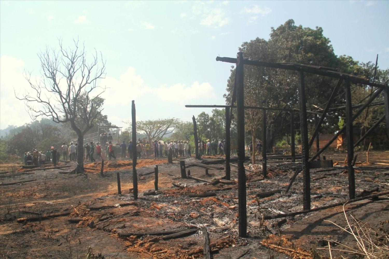 Làng cũ Kon Sơ Lăl bị cháy vào năm 2015 khiến ngôi nhà rông và 12 nhà dài của người dân bị lửa thiêu rụi
