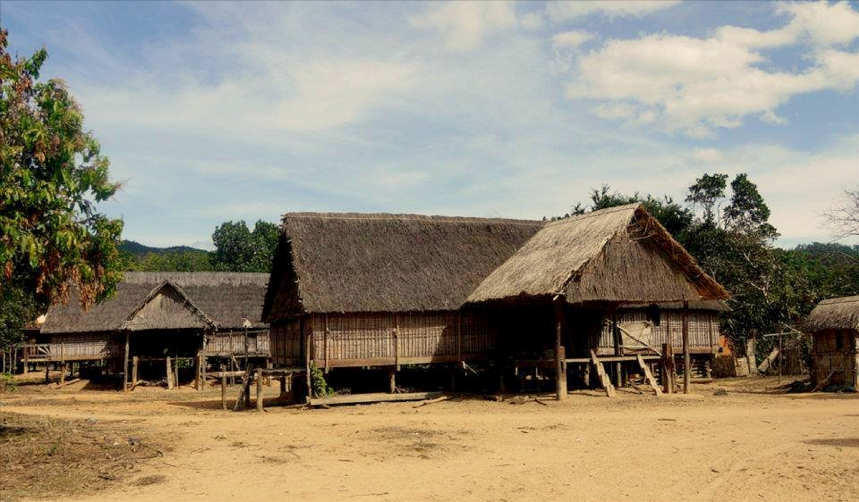 Những ngôi nhà cổ ở làng Kon Sơ Lal