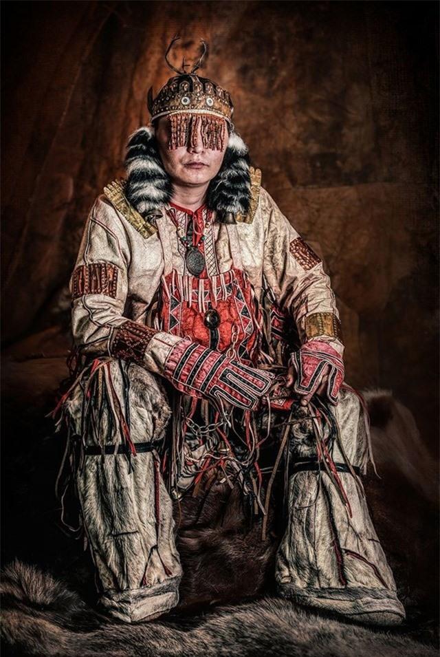 Alyu Khoymumyakovitch Chunanchar thuộc nhóm bản địa Nganasan ở Bắc Cực