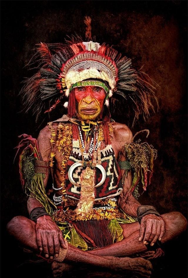 Trưởng lão bộ tộc từ Cao nguyên phía Đông, Papua New Guinea