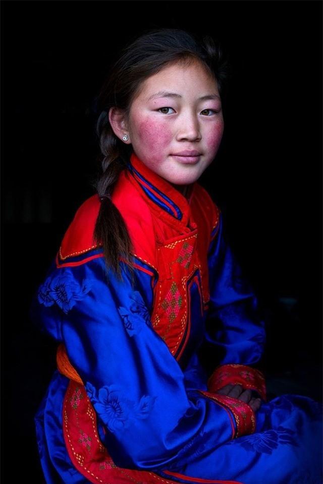 Cô gái Altai Uriankhai đến từ tỉnh Khovd, miền Tây Mông Cổ