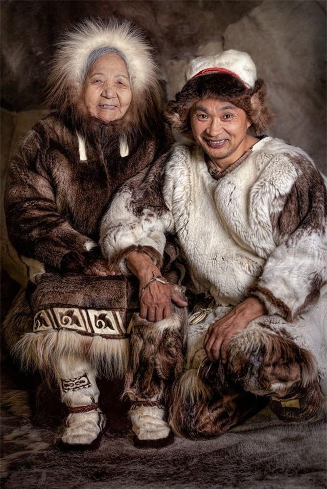 Người phụ nữ Chukchi và người đàn ông Chuvan, Siberia