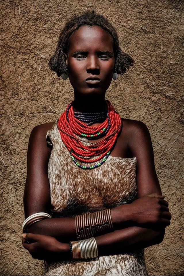 Thiếu nữ bộ lạc Daasanach, Ethiopia