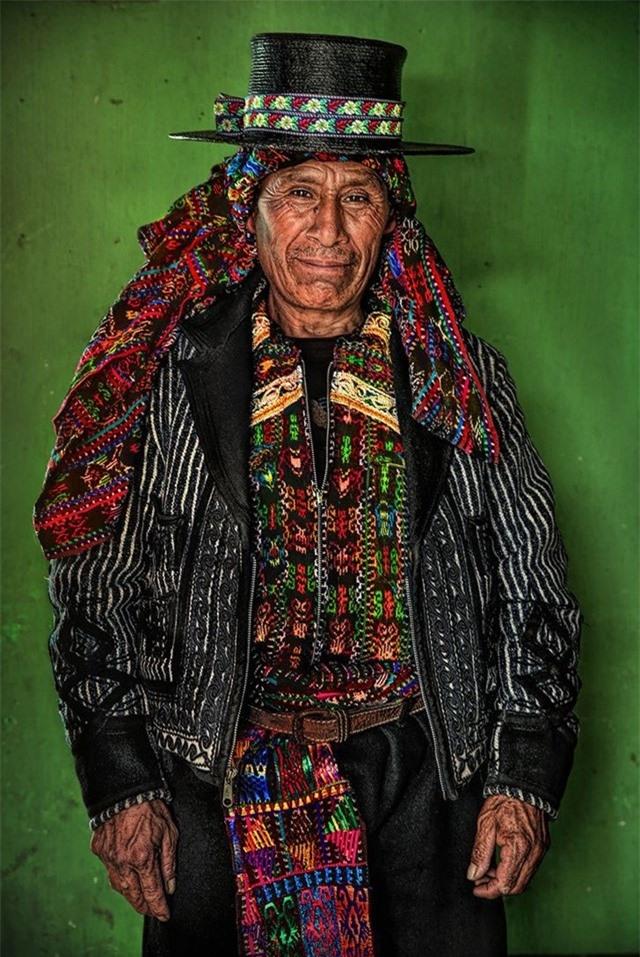 Đại diện của người Kaqchikel (Maya), Cao nguyên Guatemala