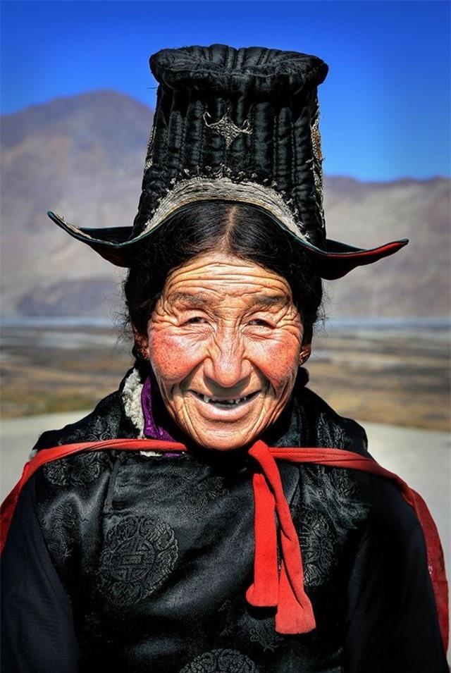 Người phụ nữ Ladakhi từ Thung lũng Nubra xa xôi