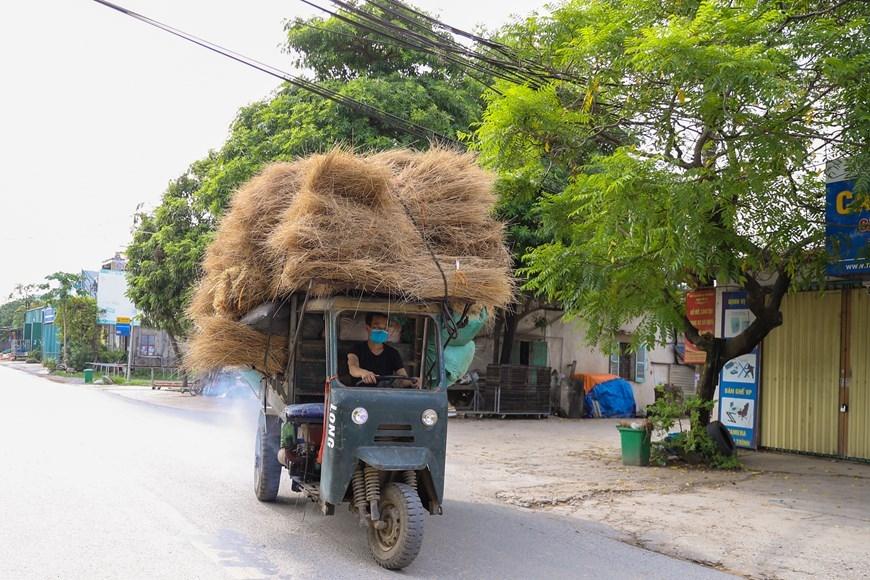 Quảng Phú Cầu từ lâu đã nổi tiếng với nghề tăm hương truyền thống. (Ảnh: PV/Vietnam+)