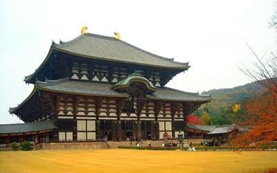 Đền Todai-ji được xây dựng cách đây gần 1.300 năm, được công nhận là Di Sản Văn hoá Thế giới.
