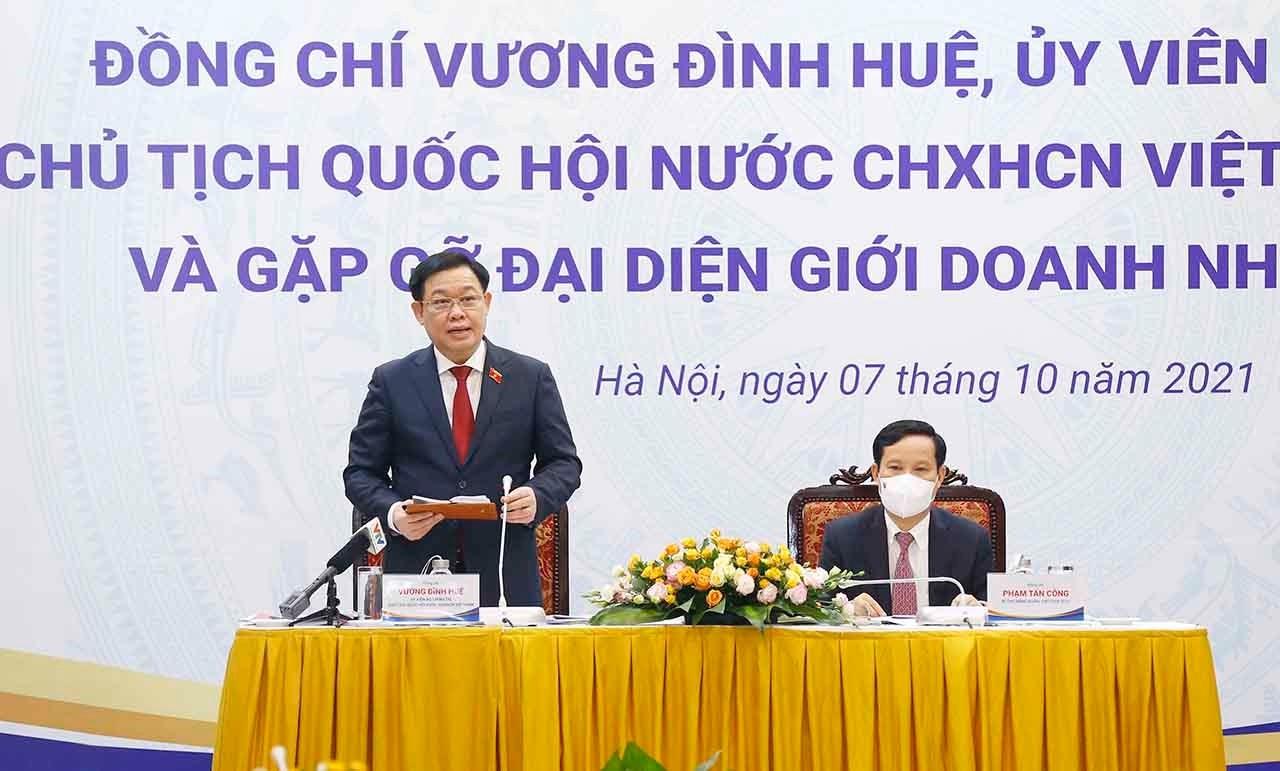 Chủ tịch Quốc hội Vương Đình Huệ phát biểu tại buổi làm việc