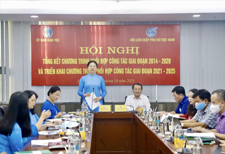 Chủ tịch Trung ương Hội LHPN Việt Nam Hà Thị Nga phát biểu tại Hội nghị