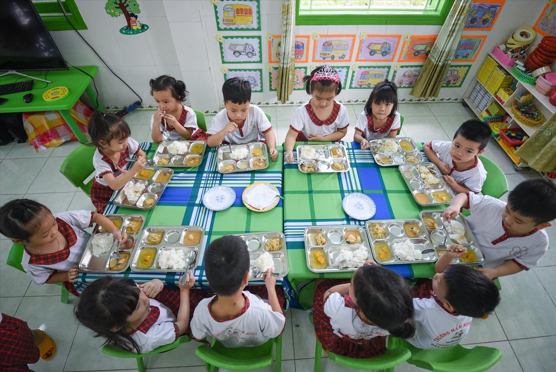 Theo bà Thái Hương, cần sớm có luật dinh dưỡng học đường