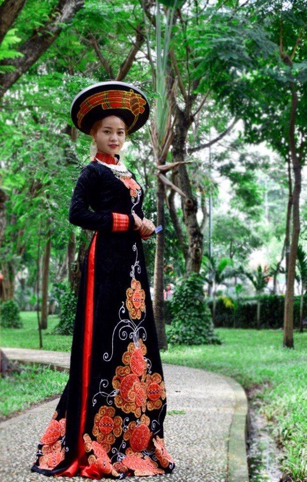 Một sản phẩm cách điệu của thương hiệu Hmong Tagkis