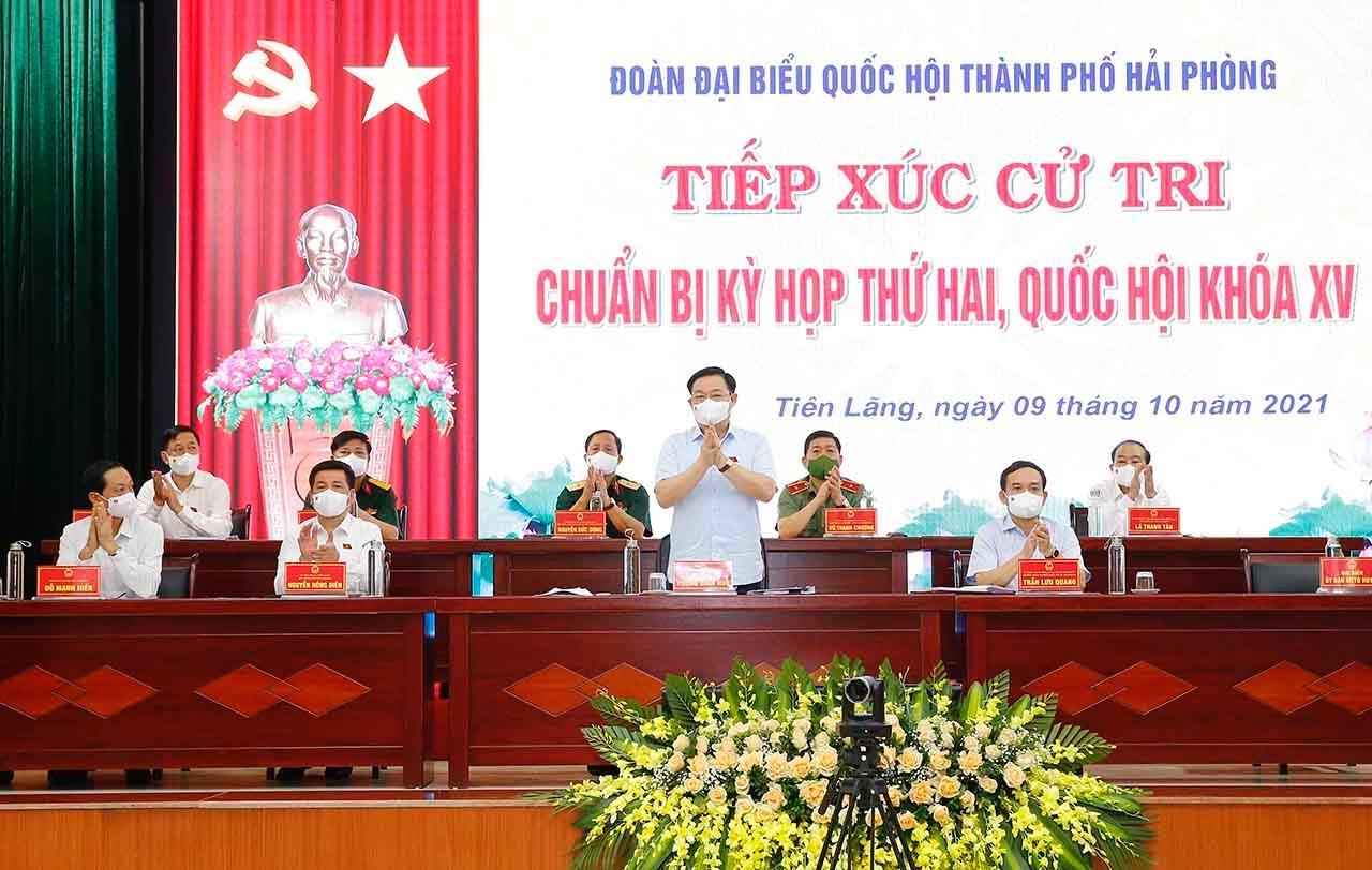Chủ tịch Quốc hội Vương Đình Huệ và các đại biểu Quốc hội Khóa XV thành phố Hải Phòng dự hội nghị tiếp xúc cử tri