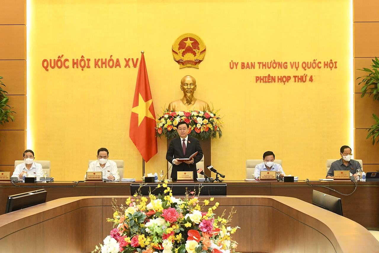 Chủ tịch Quốc hội Vương Đình Huệ phát biểu khai mạc phiên họp thứ 4 của Ủy ban Thường vụ Quốc hội
