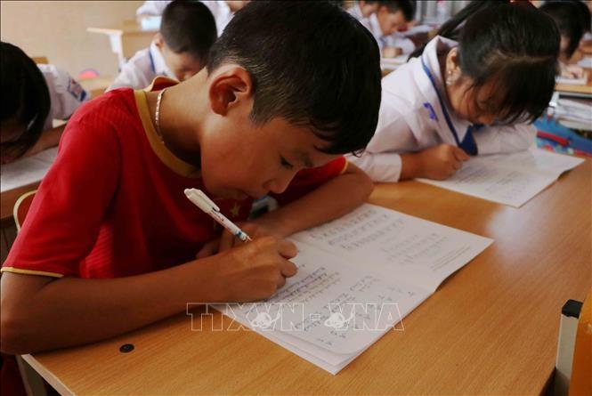 Lai Châu tăng cường dạy tiếng Việt cho học sinh dân tộc thiểu số 1