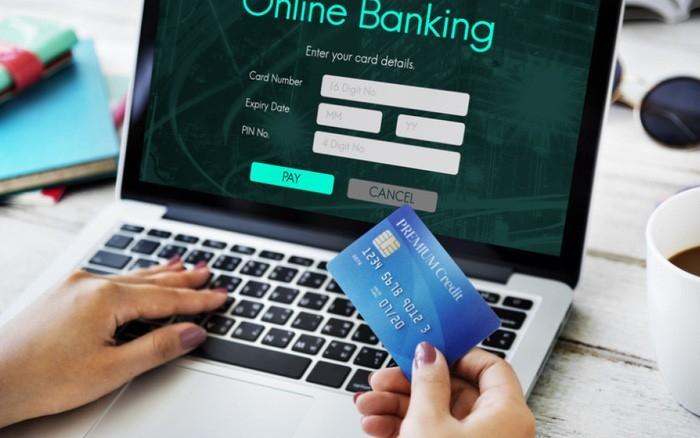 Người dân cần cảnh giác trước tình trạng web giao dịch trực tuyến giả mạo ngân hàng. Ảnh: T.L