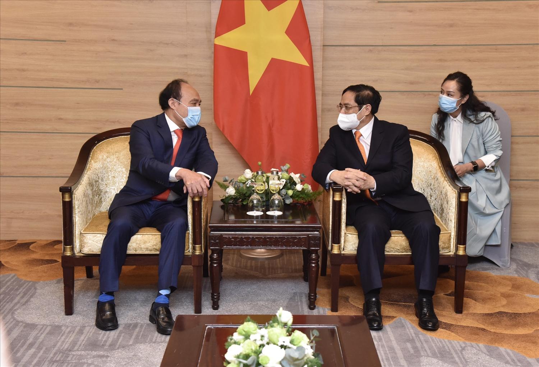 Thủ tướng Chính phủ Phạm Minh Chính tiếp Tổng thư ký ITU Houlin Zhao. Ảnh: VGP/Nhật Bắc