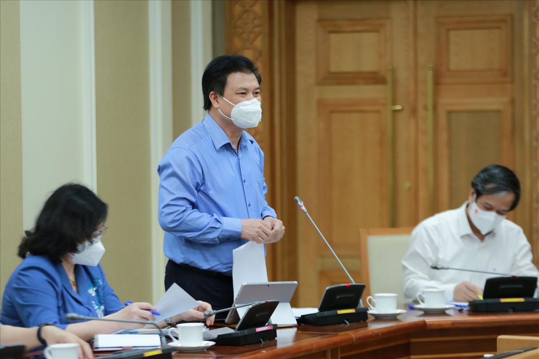 Thứ trưởng Bộ GD&ĐT Nguyễn Hữu Độ cho biết phương án thi tốt nghiệp THPT năm 2022 theo hướng giữ ổn định như năm 2021, có thể tổ chức nhiều đợt tuỳ theo tình hình dịch bệnh ở các địa phương tại thời điểm tổ chức thi. Ảnh: VGP/Đình Nam