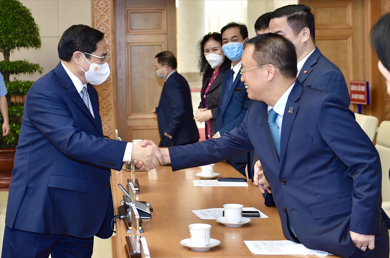 Thủ tướng Chính phủ gặp mặt doanh nhân nhân Ngày Doanh nhân Việt Nam (13/10) để ghi nhận, biểu dương những đóng góp, lắng nghe những mong muốn, nguyện vọng của cộng đồng doanh nhân và khẳng định tiếp tục chia sẻ, đồng hành với đội ngũ doanh nhân Việt Nam. Ảnh VGP/Nhật Bắc