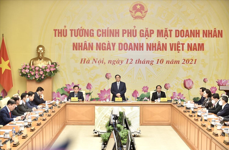 Ngày doanh nhân Việt Nam năm nay được kỷ niệm trong bối cảnh khác với mọi năm, chúng ta phòng chống đại dịch trên phạm vi cả nước. Ảnh VGP/Nhật Bắc
