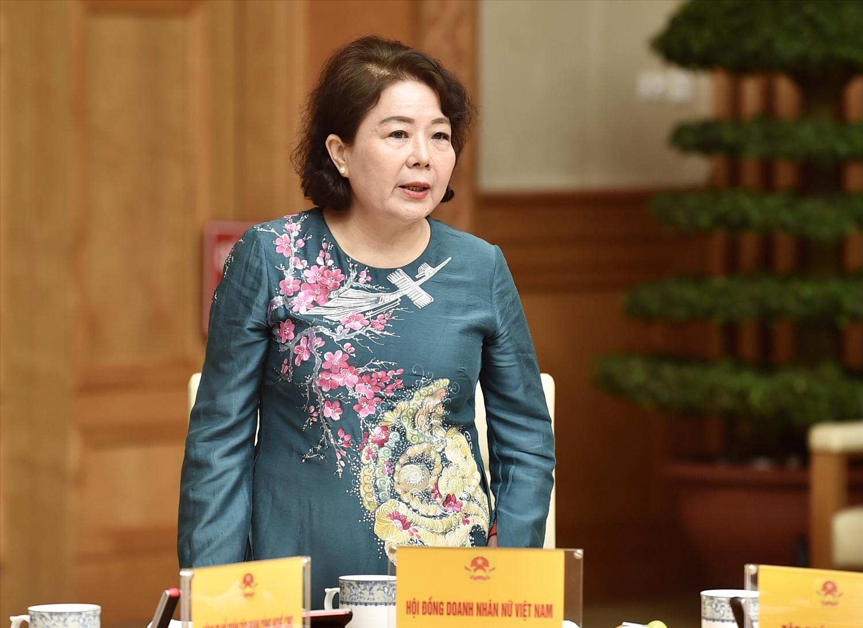 Bà Nguyễn Thị Tuyết Minh, Chủ tịch Hội đồng Doanh nhân nữ Việt Nam, kiến nghị đưa vào Luật DN khái niệm DN do phụ nữ làm chủ, giúp xác định được đối tượng để thực hiện các gói hỗ trợ, các chương trình, dự án một cách tốt nhất, thiết thực nhất. Ảnh: VGP/Nhật Bắc