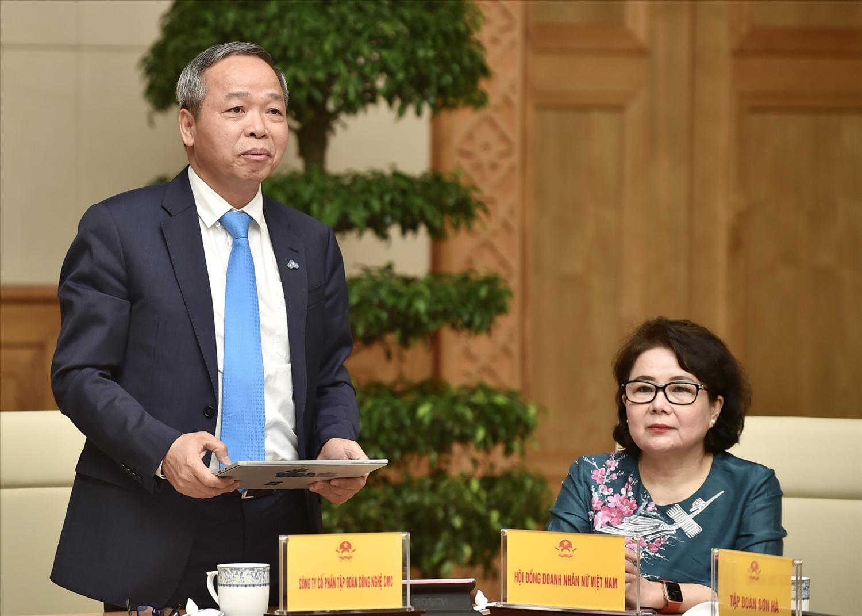 Ông Nguyễn Trung Chính, Chủ tịch Tập đoàn CMC đề nghị giao các doanh nghiệp công nghệ thông tin trong nước đầu tư các dự án hạ tầng số quy mô lớn. Ảnh: VGP/Nhật Bắc