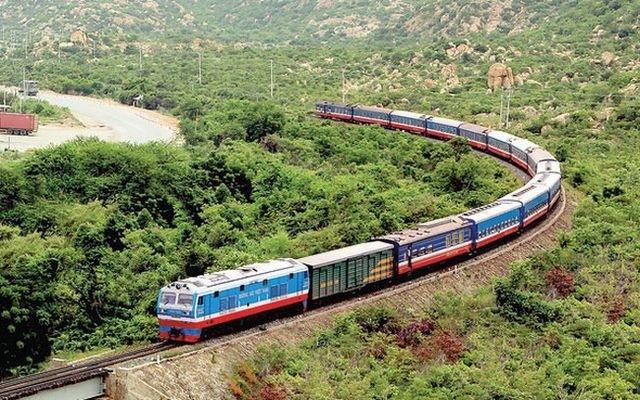 Thí điểm tổ chức vận tải hành khách bằng đường sắt từ ngày 13/10