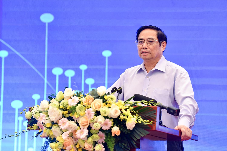 Thủ tướng Chính phủ Phạm Minh Chính: Các chính sách trước khi đề xuất các cấp thẩm quyền ban hành thì phải nghiên cứu kỹ lưỡng, thận trọng, chắc chắn, có tính khả thi, đánh giá kỹ tác động, đảm bảo an toàn và hiệu quả - Ảnh: VGP/Nhật Bắc