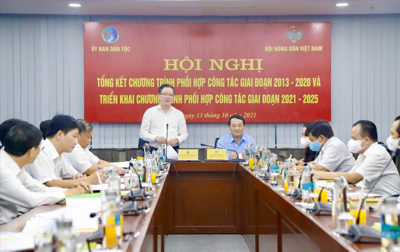 Chủ tịch Trung ương HND Việt Nam Lương Quốc Đoàn phát biểu tại Hội nghị
