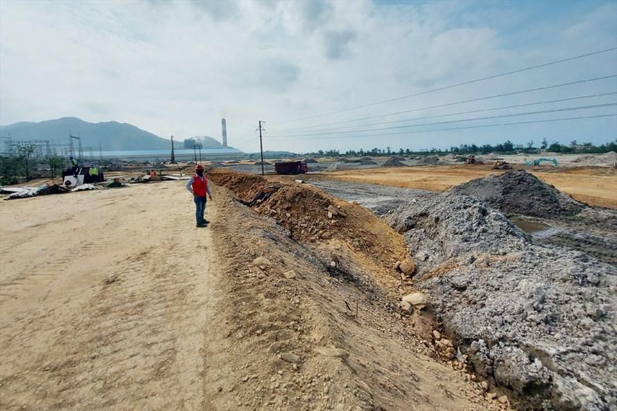 Nhà máy nhiệt điện Vũng Áng II đã được triển khai xây dựng, dự kiến sẽ tạo ra hàng trăm việc làm mới cho người lao động