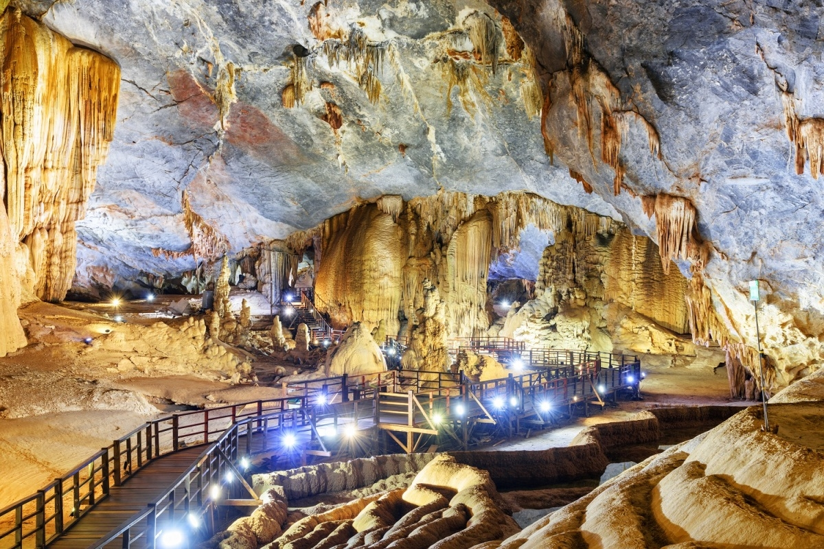Phong Nha - Kẻ Bàng luôn thu hút du khách khi đến Quảng Bình
