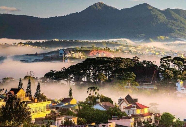 Lâm Đồng dự kiến đón du khách ngoại tỉnh bắt đầu từ tháng 11/2021. Ảnh minh họa